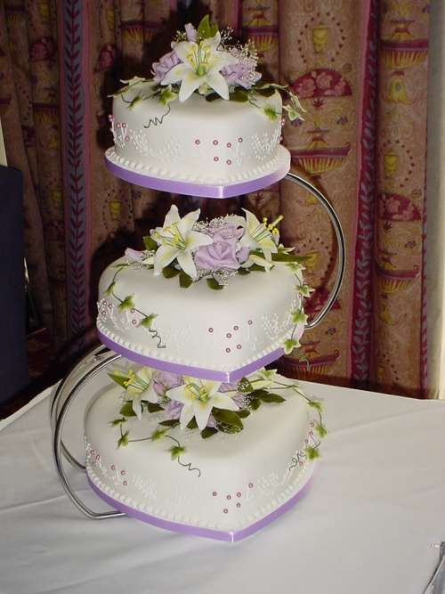 3 tier heart shaped wedding cakes